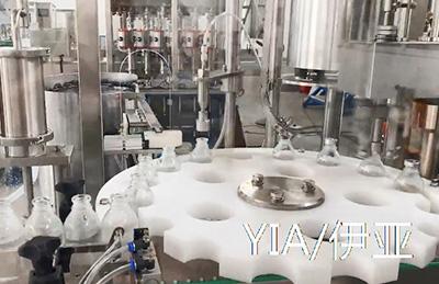 100-500ml灌装加塞加盖轧盖机调试